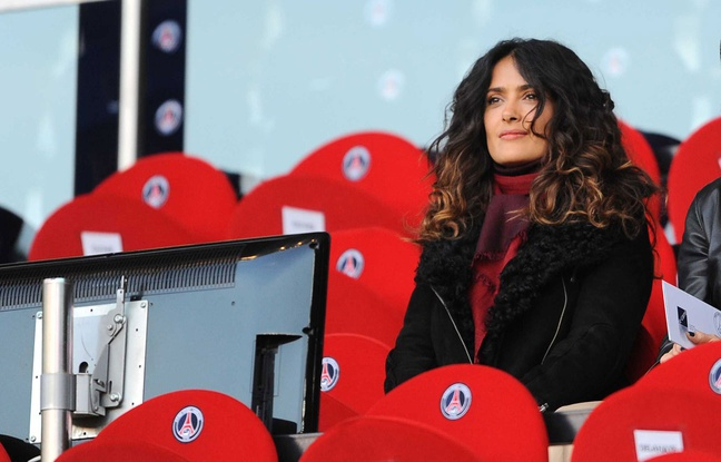 Salma Hayek in tribuna la meciul castigat de Rennes, 3 la 0 cu PSG