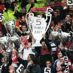 Fanii lui Liverpool-aluzie la cele 5 ECL castigate fata de cele 3 pentru United