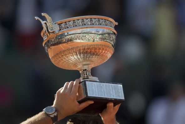 novak-djokovic-stan-wawrinka-tennis-french-open-djokovic-vs-wawrinka-590x900